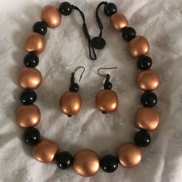 Jewelry - Jewelry set - bronze and black wooden beads